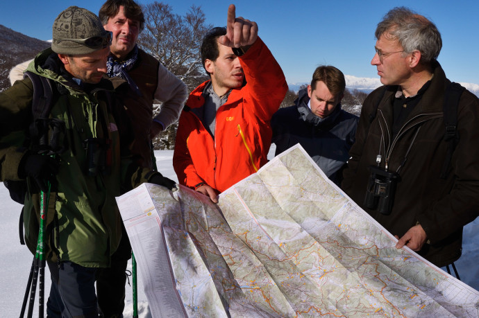 Planning work and discussions around the map, Deli Saavedra, Wiet de Bruijn, Umberto Esposito, Ilko Bosman, Wouter Helmer, Carlo Vitale and Frans Schepers, Central Apennines, Italy