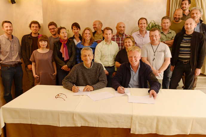 Frans Schepers, Managing Director of Rewilding Europe (right) and Professor Luigi Boitani, Chairman of the LCIE signa Memorandum of Understanding