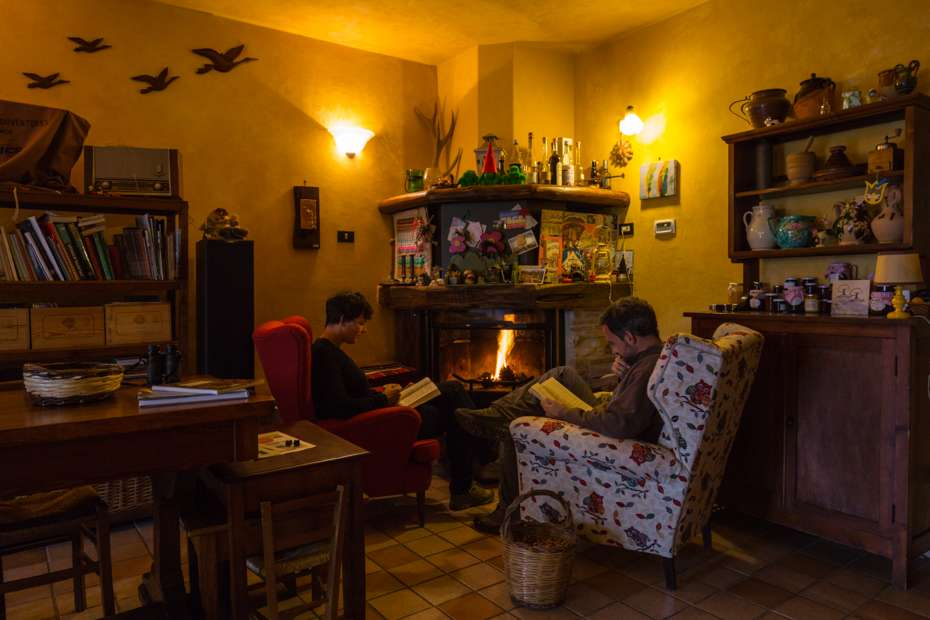 Bed & breakfast at the foothills of Mount Velino in the Sirente-Velino Regional Park, Italy